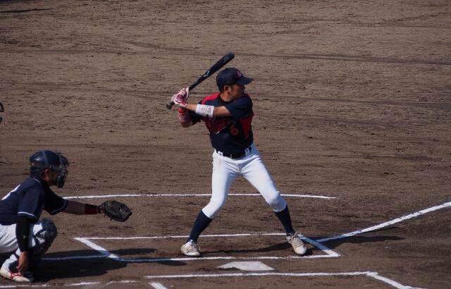 バッティングで右打者がやるべき左腕の使い方!脇を締めて打つことに意味はない!