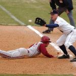 【牽制球】ファースト(一塁手)が一塁ベースにつく状況を解説します!ランナー1,2塁は?満塁は?
