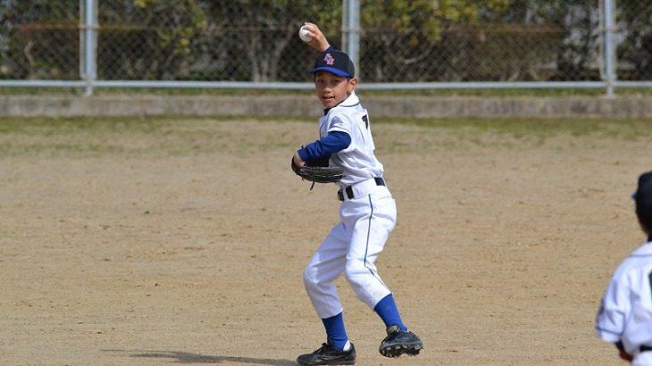 正しい投げ方が身に付くキャッチボールのやり方!コツは「投げる場所」です